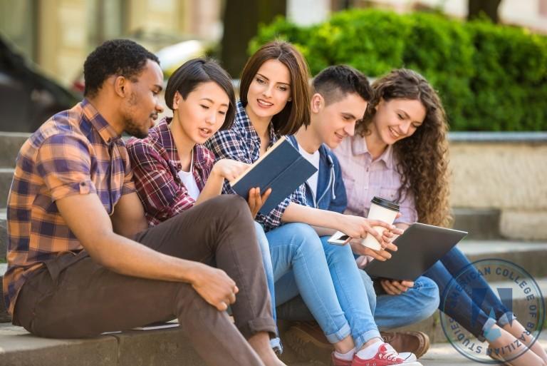 5 atitudes de estudantes que vão se tornar empresários de sucesso